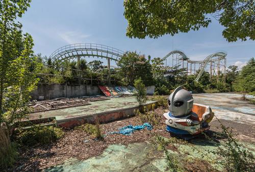 荒废的日本游乐园